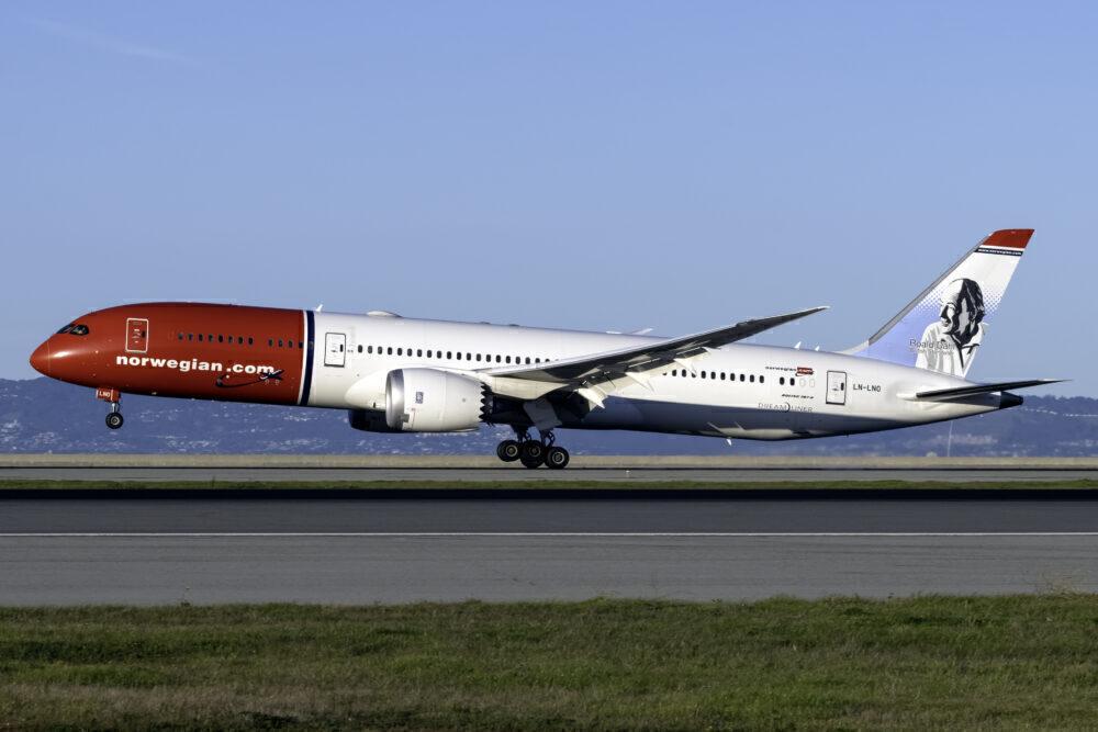 Norsk (Roald Dahl Livery) Boeing 787-9 Dreamliner LN-LNO